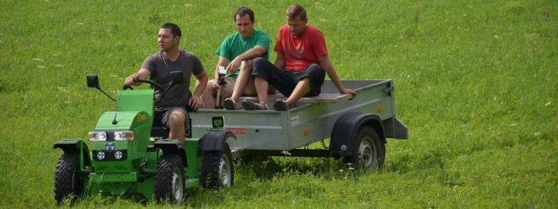 Elektrický traktor do záhrady