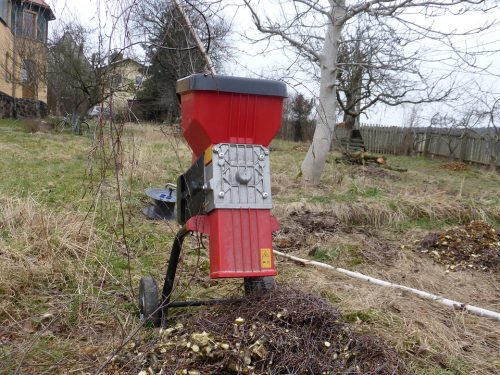 Drtiče zahradního odpadu jsou užitečnými pomocníky